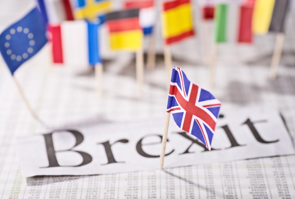 Эстония вслед за британией собирается провести референдум